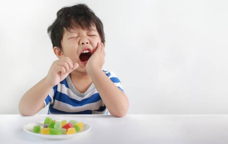 Áp xe răng ở trẻ em: Nguyên nhân và cách điều trị an toàn