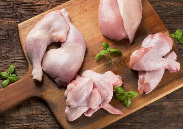 Bị viêm lợi có ăn được thịt gà không?