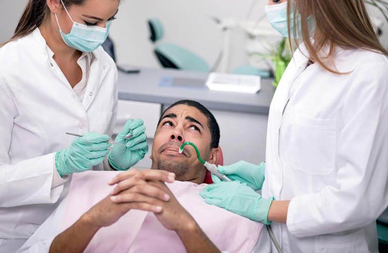 chữa đau răng sâu bằng lá lốt