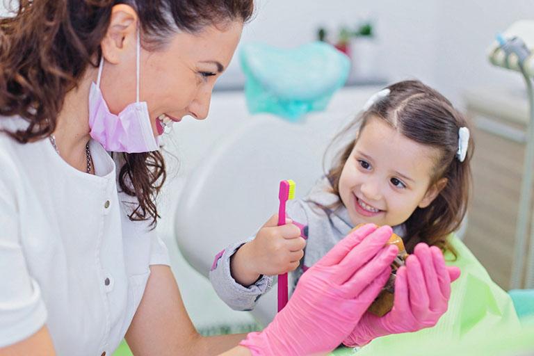 Có nên lấy tủy răng ở trẻ em không