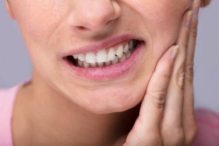 Ổ mủ áp xe chân răng tự vỡ có nguy hiểm