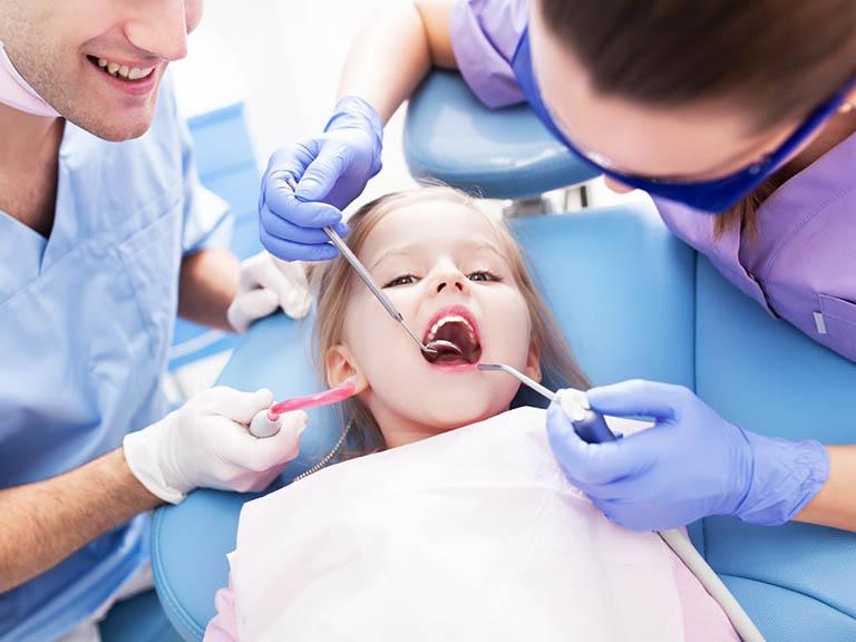 phẫu thuật áp xe răng