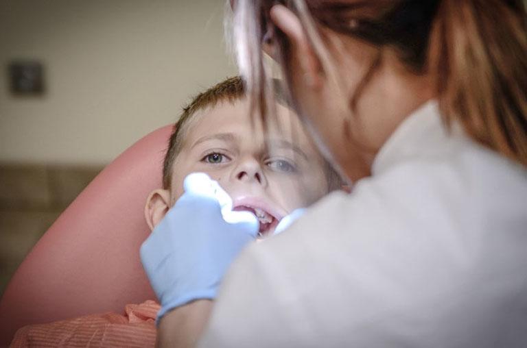 Lấy tủy răng sữa có mọc lại không