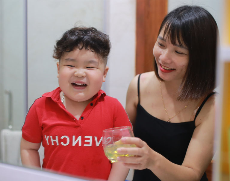 cách chữa sâu răng sữa cho bé