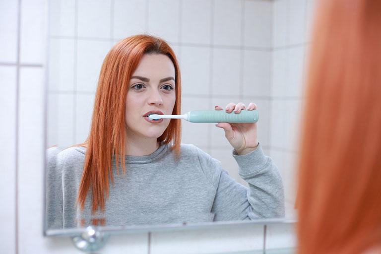 viêm lợi sau khi nhổ răng