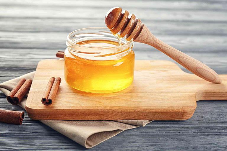 chữa viêm lợi bằng mật ong