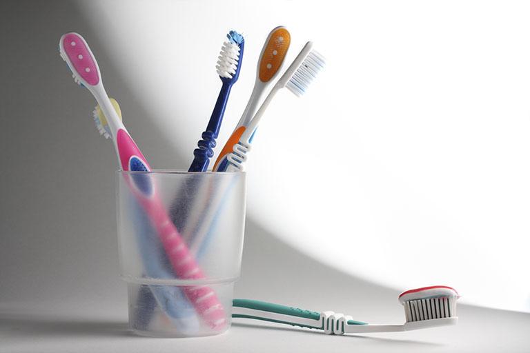 nhức răng hàm khi nhai