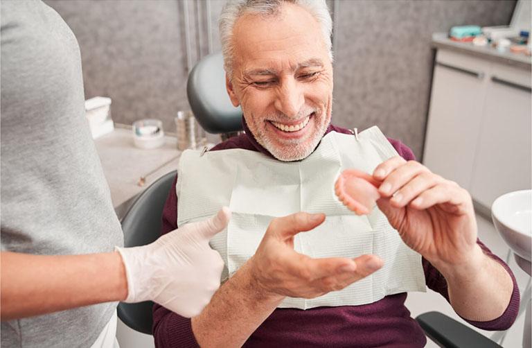 đau răng ở người già