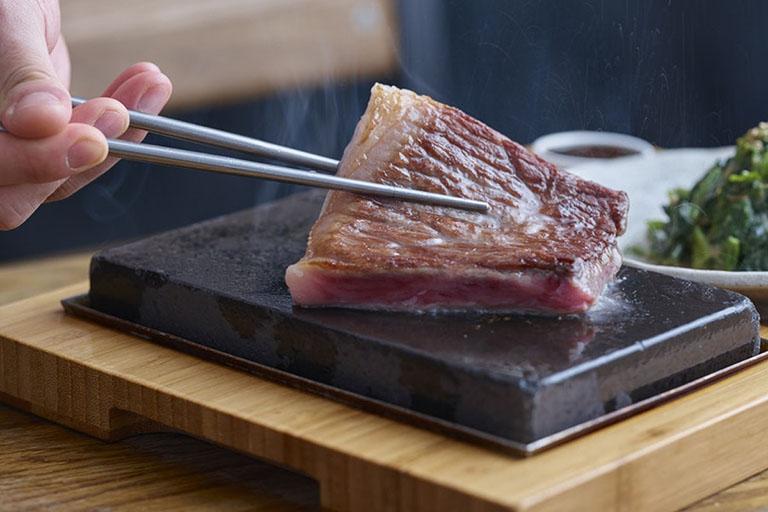 nhức răng có nên ăn thịt bò không