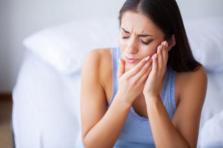 đau răng sâu nên ngậm gì