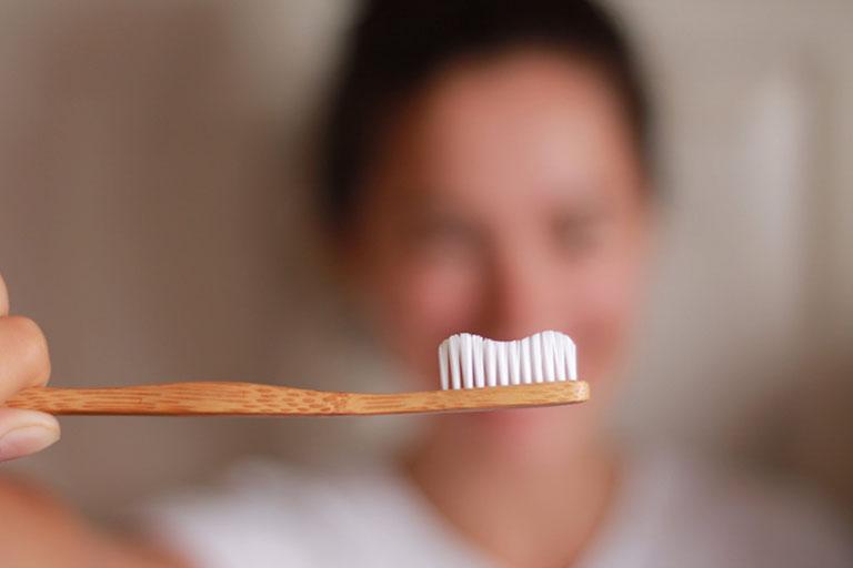 Trám răng sau bao lâu thì ăn được