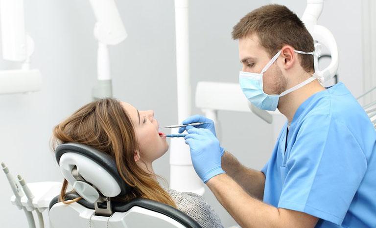 đau răng sâu sưng lợi
