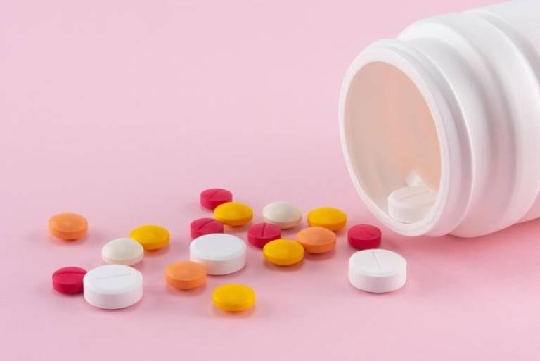 Bị tụt lợi chân răng nên uống thuốc gì nhanh khỏi?