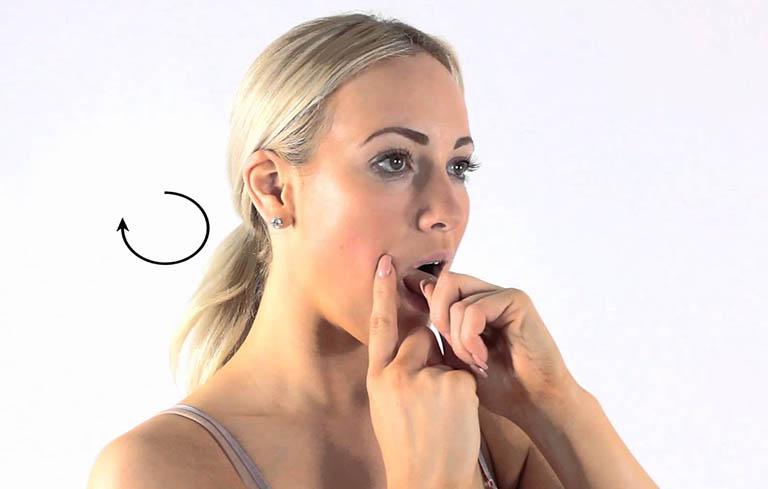 xoa bóp bấm huyệt giảm đau răng