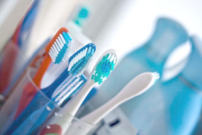 tuổi thọ của cầu răng sứ