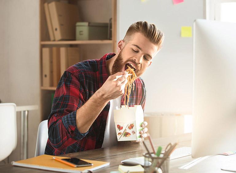 Sau khi bọc răng sứ nên ăn gì và kiêng gì