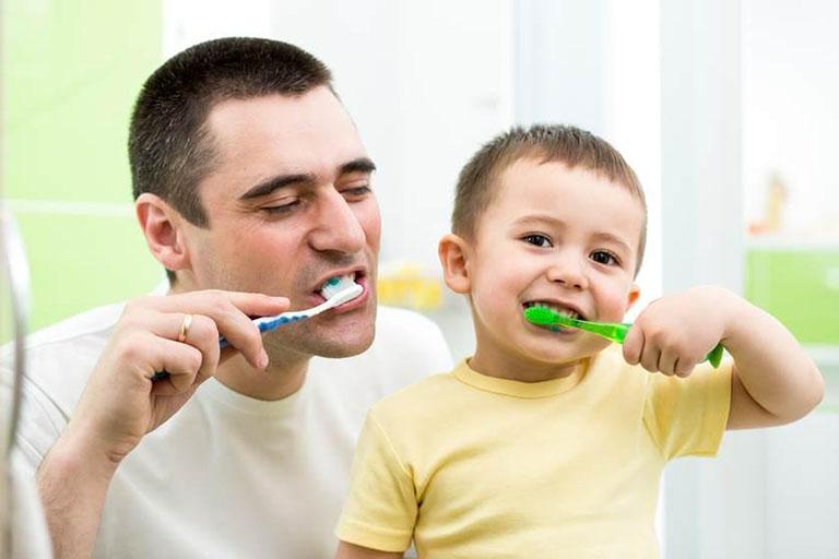 Tự niềng răng tại nhà