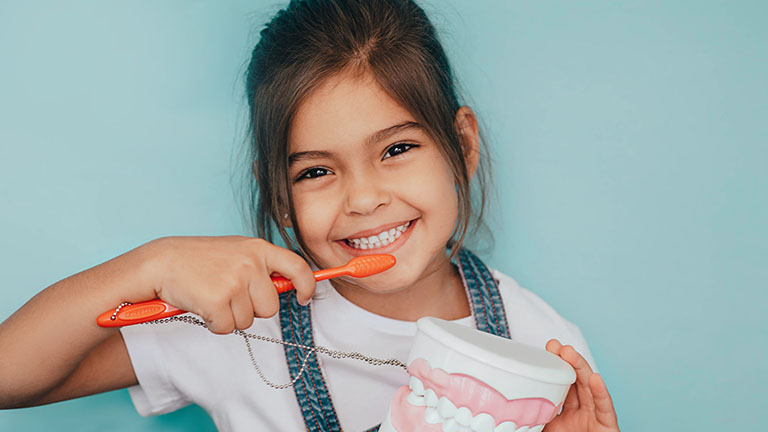 bọc răng sứ cho trẻ em