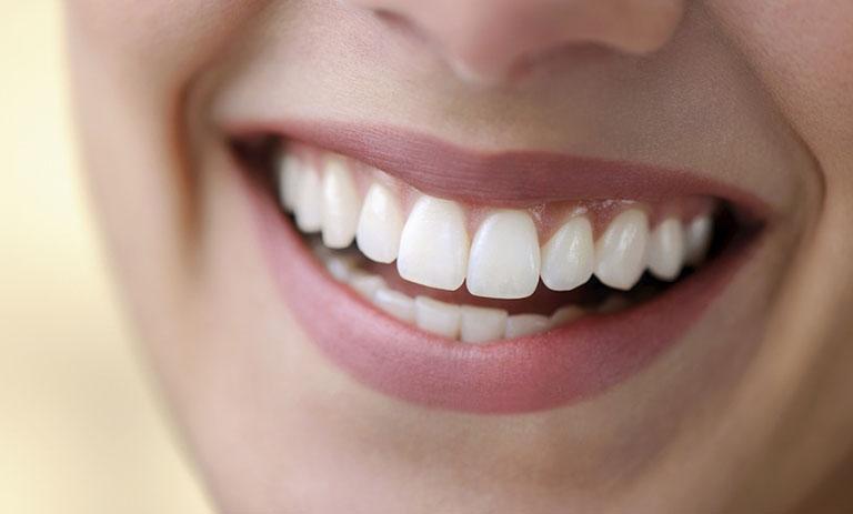 Có nên bọc răng sứ nguyên hàm