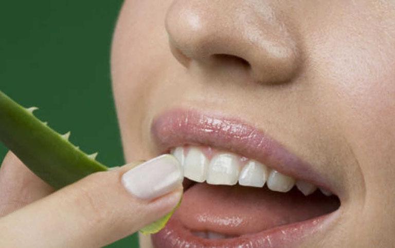 cạo vôi răng tại nhà