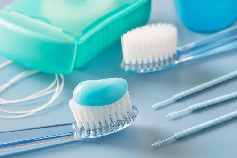 bọc răng sứ có bị sâu răng không