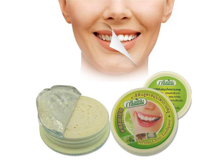 Kem tẩy trắng răng Green Herb Thái Lan