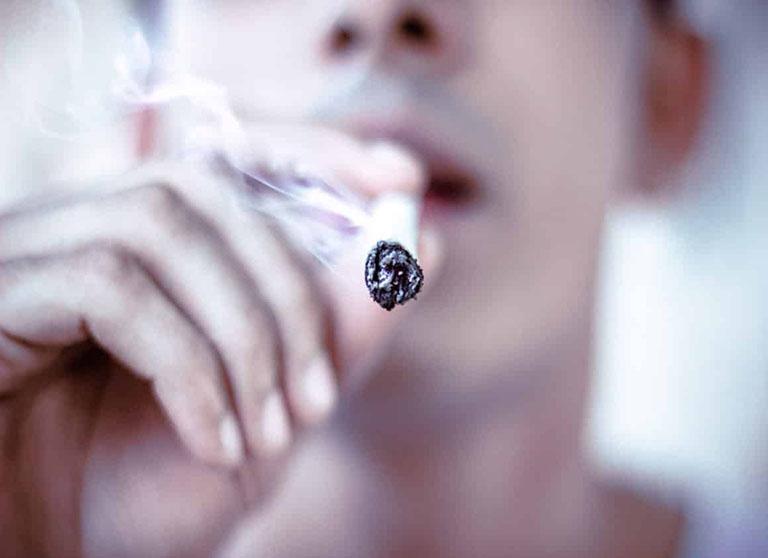cách khử mùi hôi miệng khi hút thuốc