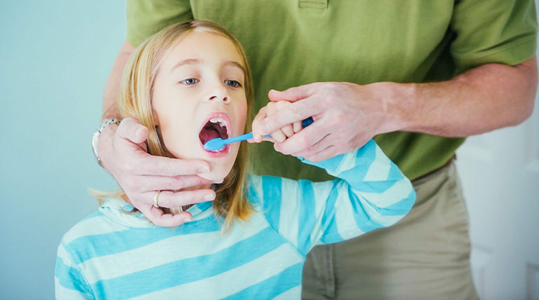 điều trị hôi miệng ở trẻ em