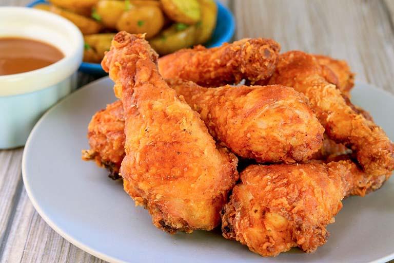 mọc răng khôn có ăn được thịt gà không
