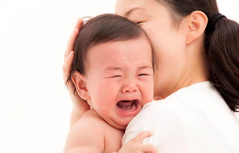 trẻ 3 tuổi có sốt mọc răng không